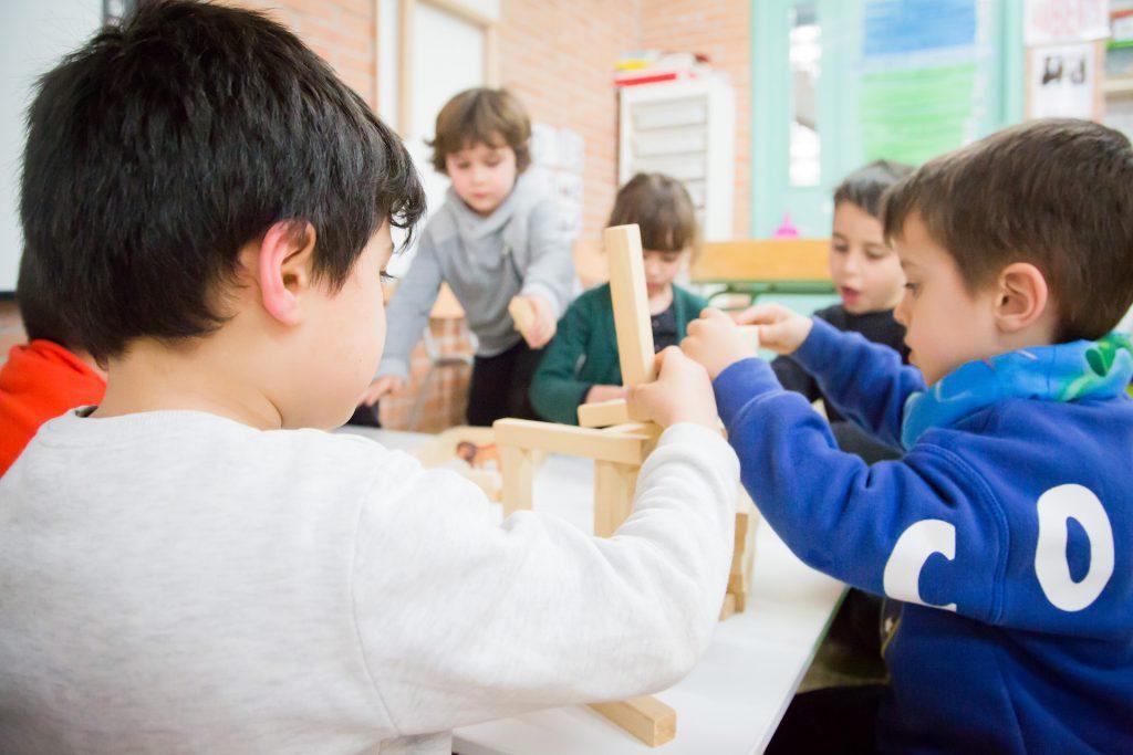 Construccions a microespais - Comunitat Petits