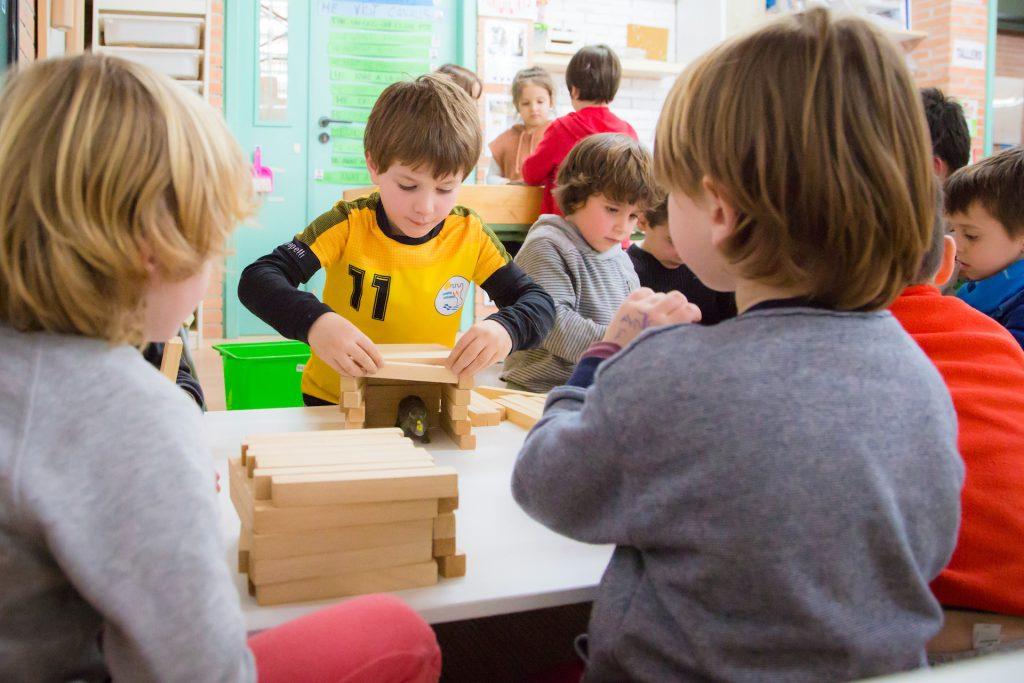 Construcció a microespais - Comunitat Petits