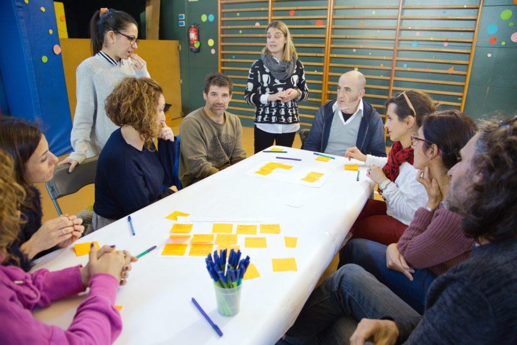 Sessió amb famílies – visió de l'escola que volem
